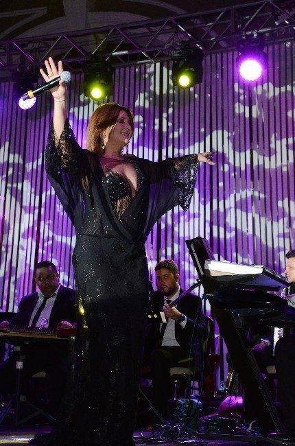 Sibel Can, Yeniden İzmir'de Sahne Aldı