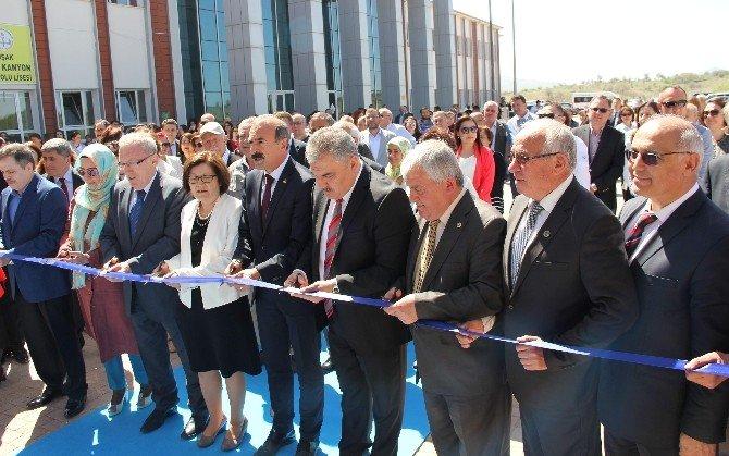 Uşak Yeni Bir Kültür Merkezine Kavuştu