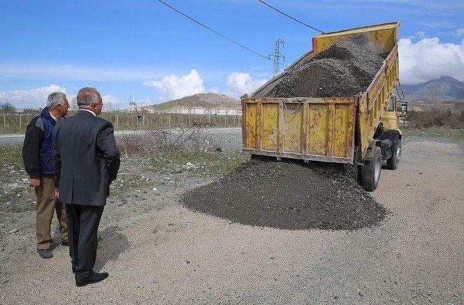 Üzümlü'de Asfalt Çalışması Hazırlıkları Başladı