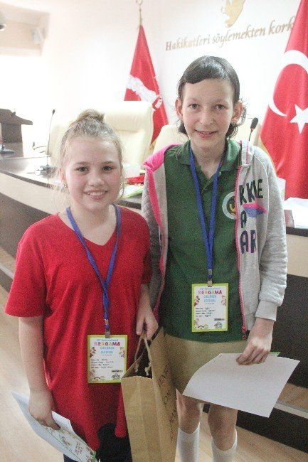 Dünya Çocukları Bergama'da Buluştu