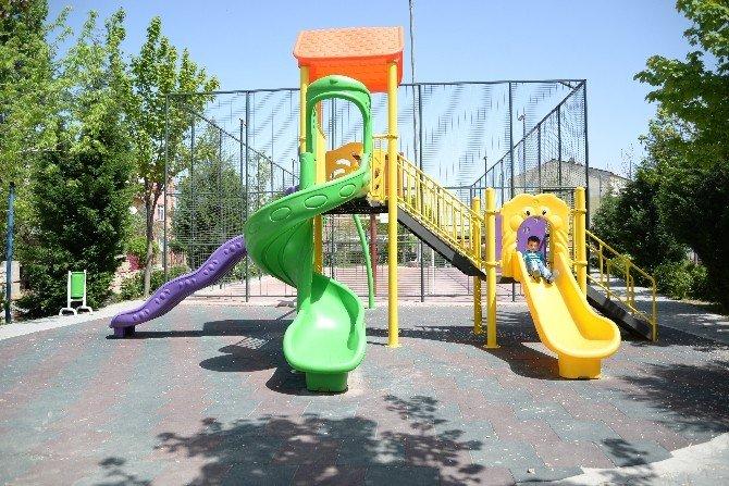Bilecik Belediyesi Çocuklara 23 Nisan Hediyesi Olarak 12 Parkı Hizmete Açıyor