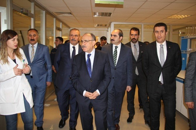 AK Parti'den Van Tb'ye Ziyaret