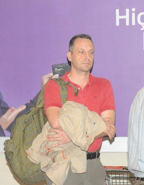Alman Gazeteci Volker Schwenck Kahire'ye Gönderildi