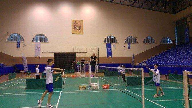 Aydın'da Badminton Şöleni Yaşandı
