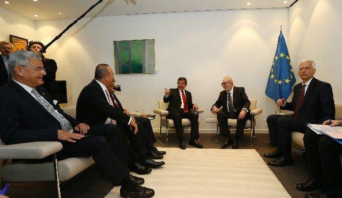 Başbakan Davutoğlu, AKPM Başkanı Agramunt'la Görüştü
