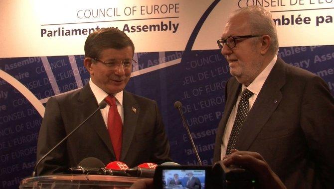 Başbakan Davutoğlu AKPM Başkanı Agramunt ile görüştü