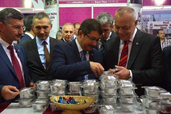 Şehzadeler Belediyesi Standına Büyük İlgi