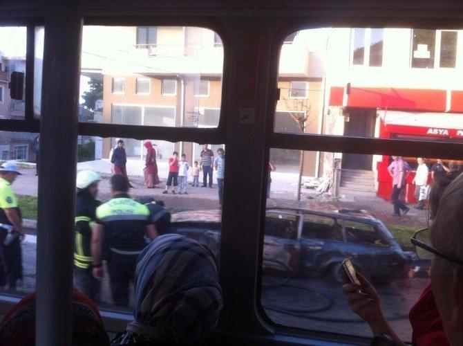 Alev Alan Otomobilin Patlamaları Saniye Saniye Kaydedildi