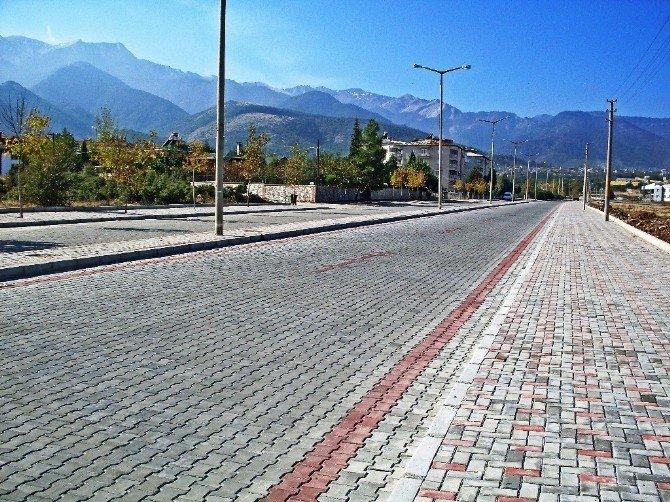 Büyükşehir Belediyesi'nden İlçelere Yüzbinlerce Parke Taşı