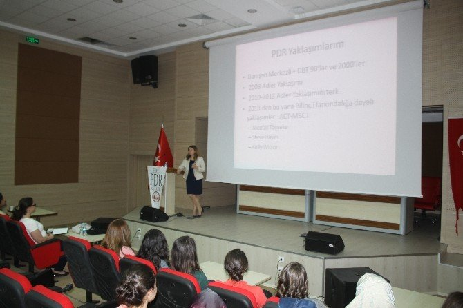 ERÜ'de 'Kabul Ve Kararlılık Terapisi' Konulu Konferans