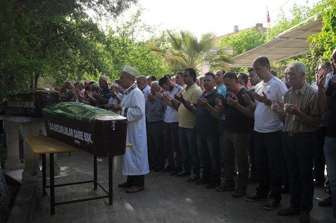 Eski Damatları Tarafından Öldürülen Anne-oğul Yan Yana Defnedildi