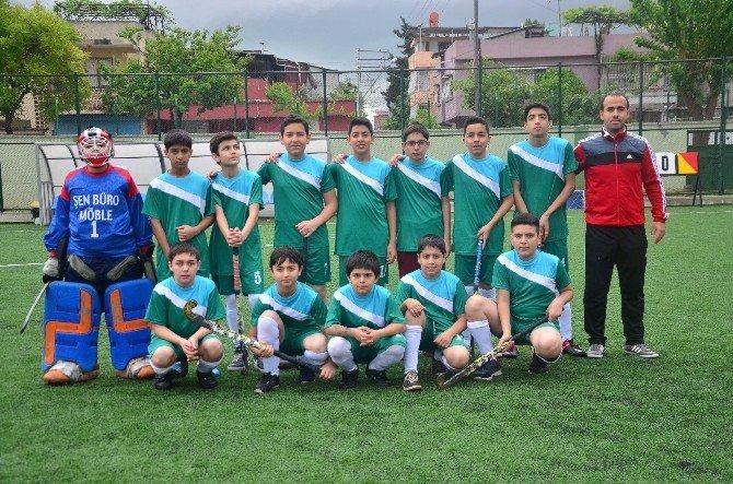 Adana'da Okullarası Yıldızlar Çim Hokeyi Müsabakaları