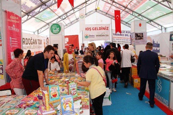 Samsunlular 'İlkadım Çocuk Ve Kitap Günleri'ne Akın Ediyor