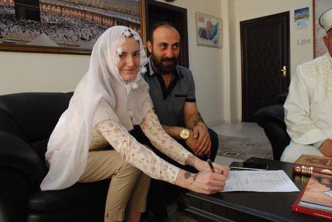 Ukraynalı Lıudmyla, Aşkı İçin 'Elif' Oldu