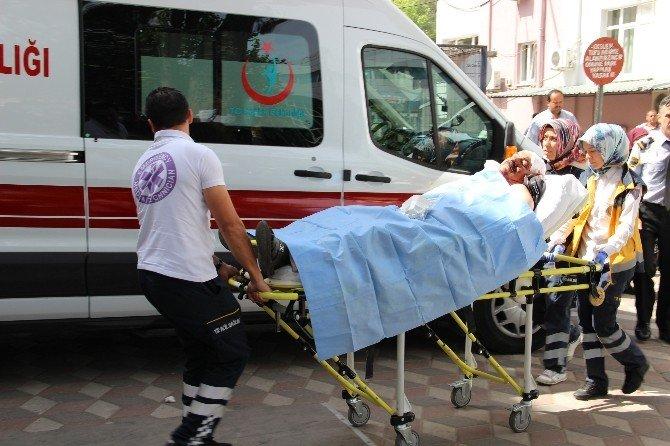 Manisa'da İki Aile Miras Yüzünden Birbirine Girdi: 7 Yaralı