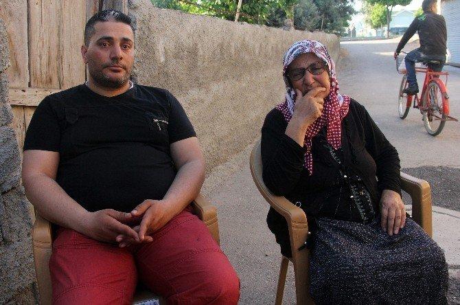 Babasını Bulmak İçin İsveç'ten Adana'ya Geldi