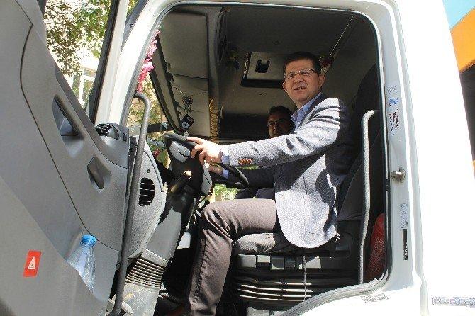 Başkan Subaşıoğlu, Çöp Kamyonu Kullandı