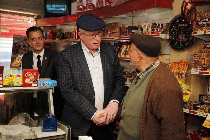 Başkan Kurt, Emek'de Vatandaşları Dinledi