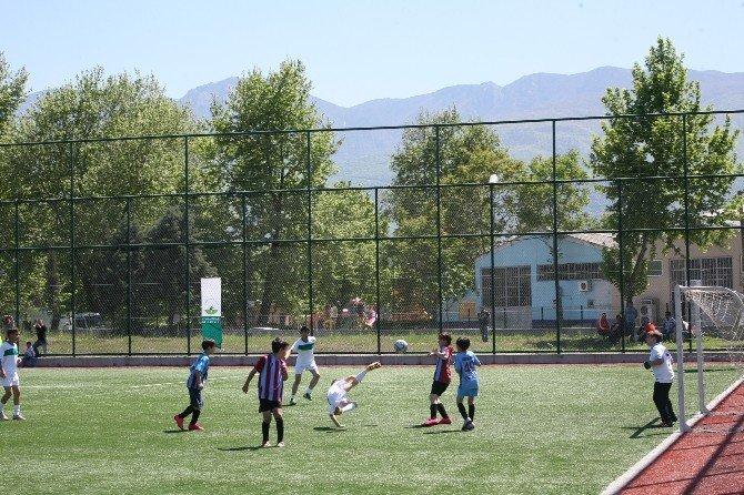 Minikler Futbol Turnuvası'nda Şampiyon Bursaspor