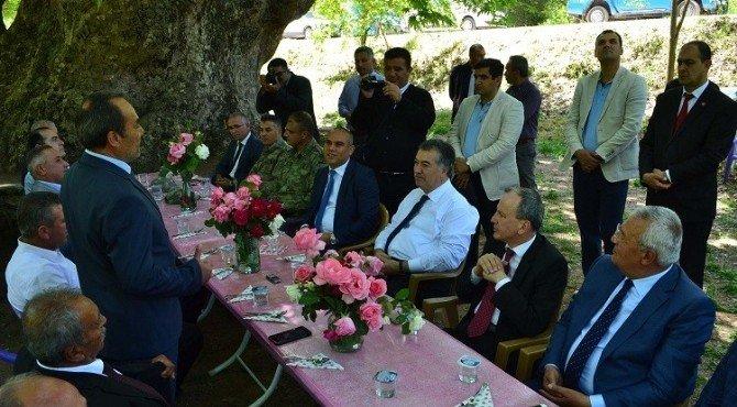 Vali Kerem Al Elbeyli Köyü'nü Ziyaret Etti