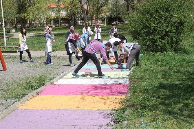 Atatürk Parkı Renklendi