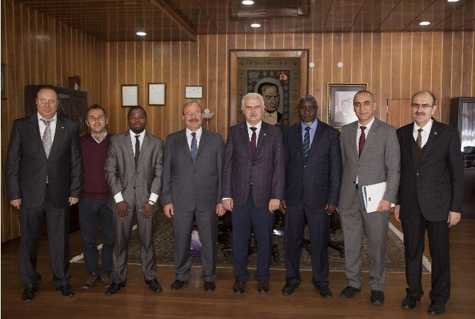 Uganda İslam Üniversitesi'nden Ziyaret