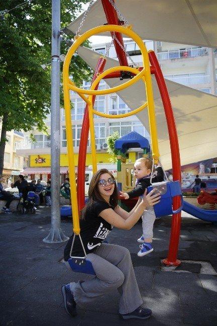 Ebeveyn-çocuk Salıncak Keyfi