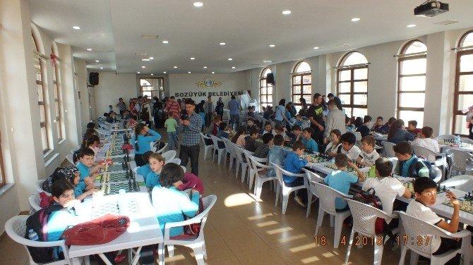 Bozüyük'te 23 Nisan Satranç Turnuvası