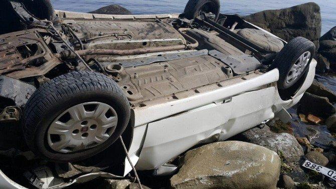 Otomobil Uçurumdan Sahile Uçtu: 4 Ölü