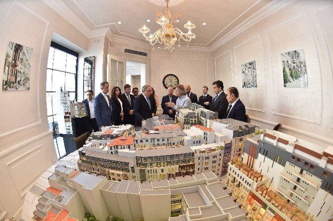 TOKİ Başkanı Turan, Tarlabaşı 360'ı İnceledi