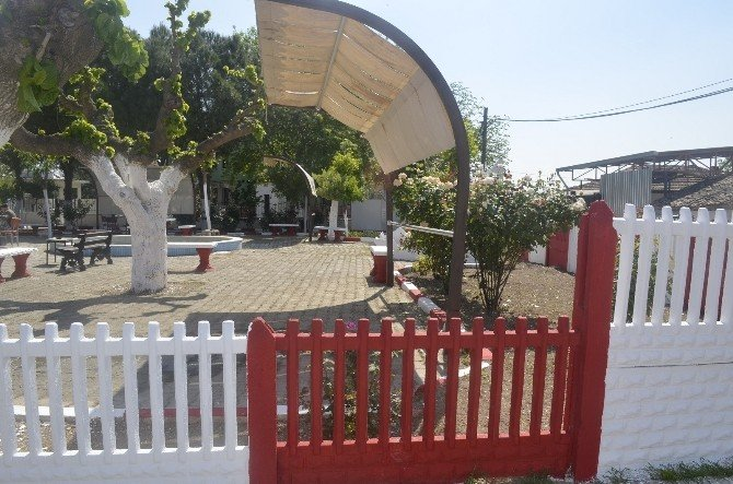 Belediyenin Boya Atölyesi Turgutlu'yu Renklendiriyor