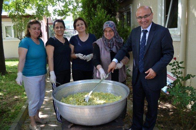 Altınovalı Kadınlar Türkiye'de İlk Kez Kividen Reçel Yaptı