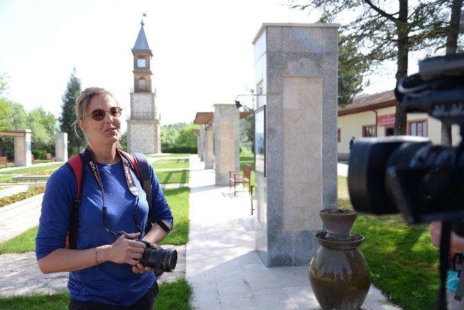 İstanbul'dan Mekke'ye Eski Hac Yollarını Yürüyerek Keşfeden Gönüllüler