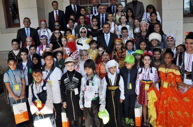 Antalya Dünya Çocuklarını Ağırladı