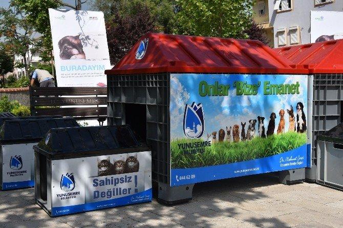 Yunusemre Belediyesi'nden Parklara Kedi Ve Köpek Evleri
