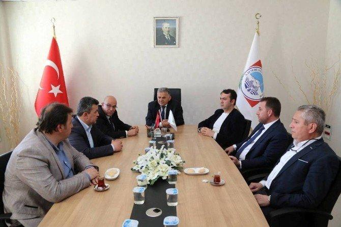 AK Parti İl Yönetim Kurulu'nun Melikgazi Belediyesi'ni Ziyaret Etti