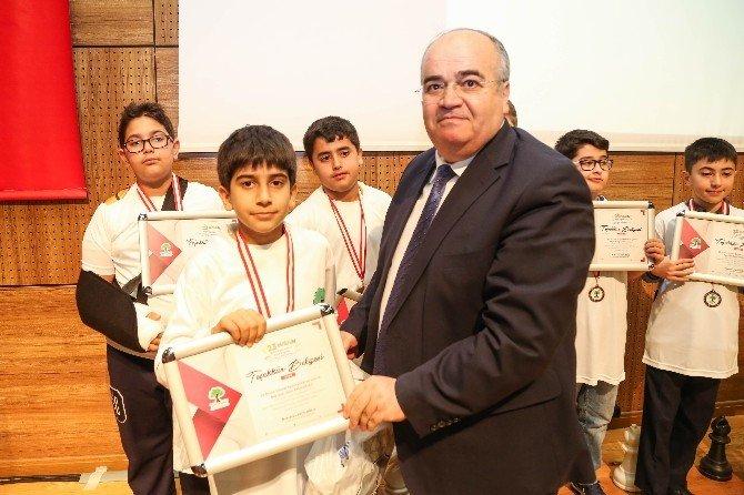Şehitkamil'de Alkışlar Şampiyon Satranççılara