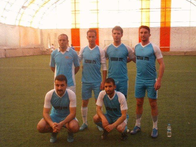 Özalp İlçesinde Öğretmenler Arası Futbol Turnuvası