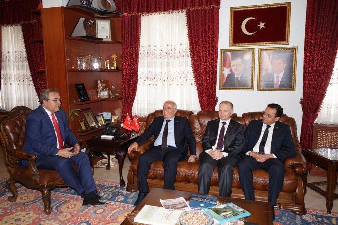 Elitaş: 'İran halkının en güvenli gideceği bölge Türkiye'dir' ifadesi önemli