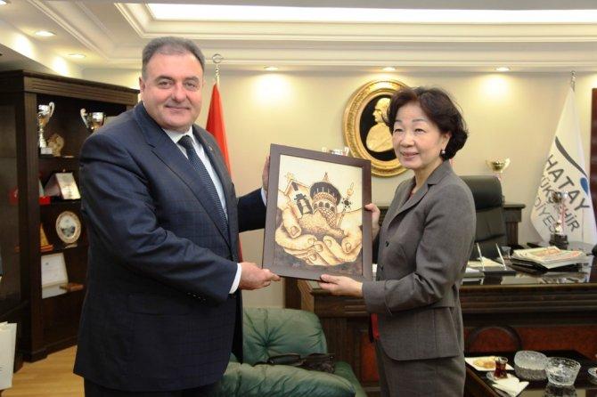 İpekyolu Birliği Başkanı ve eşi Hatay'da