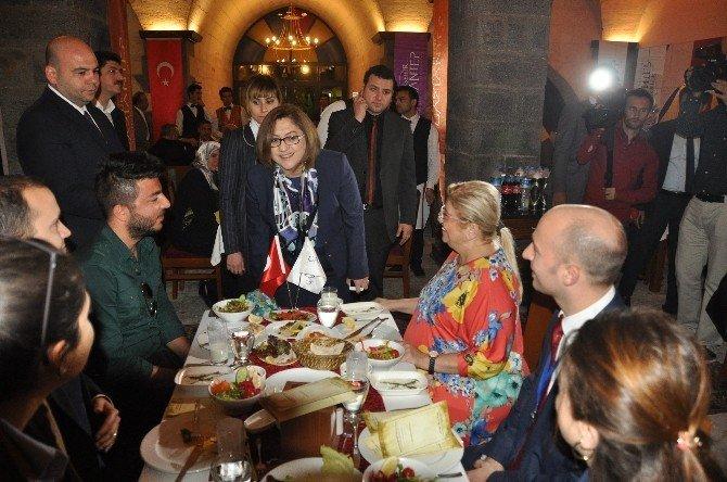 Yabancı Belediye Başkanları Tarihi Yemişhan'a Hayran Kaldı