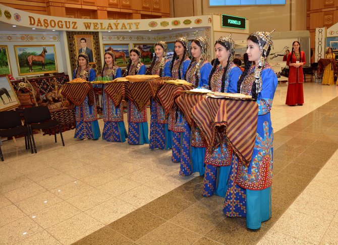 Türkmenistan'da At Bayramı şenlikleri yapılıyor
