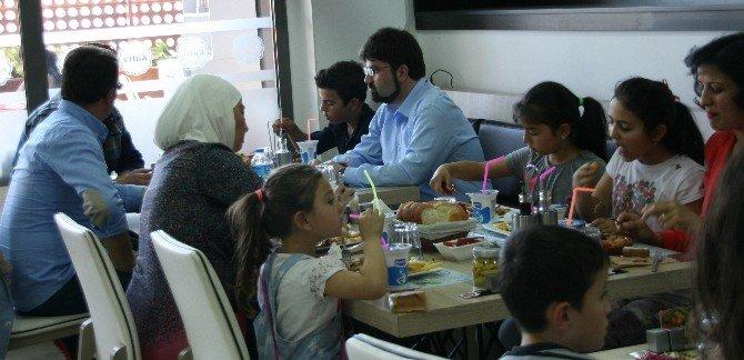 Gestaş Mülteci Çocukları Unutmadı