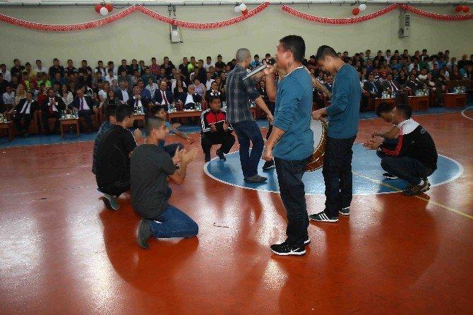 23 Nisanı Cezaevinde Kutladılar