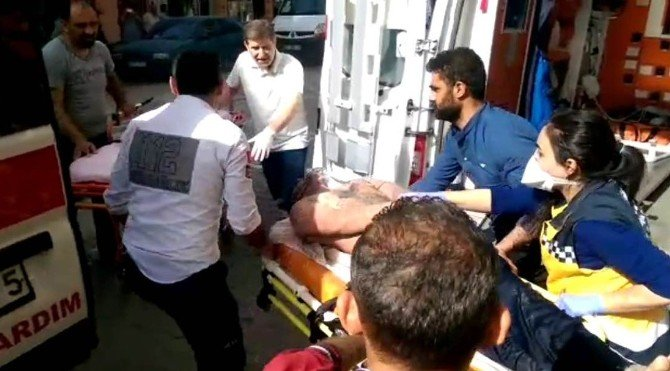İzmir'de Altı İşçi Kimyasal Kazanın İçine Düştü