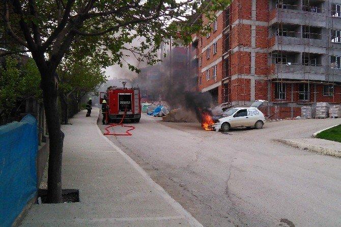 Seyir Halindeki Otomobil Alevlere Teslim Oldu