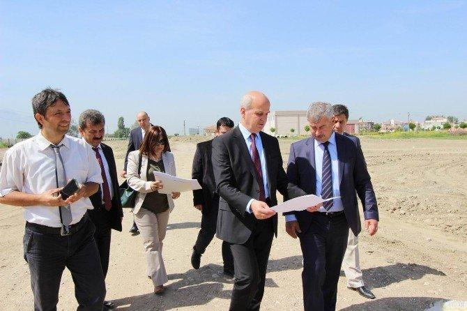 Saruhanlı'ya Yüksekokul Binası Yapılıyor