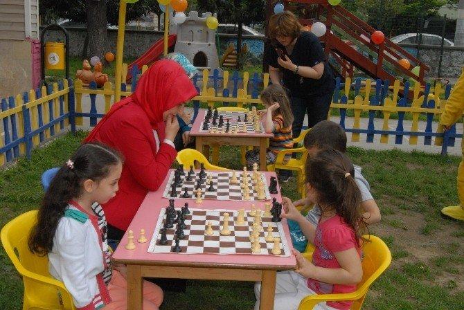 Geleceğin Kasparov'ları Kıyasıya Yarıştı