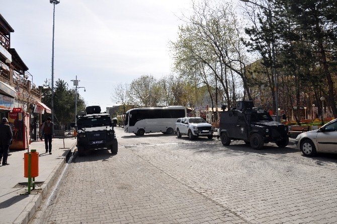 Muş'ta Eş Zamanlı Operasyon: 35 Gözaltı