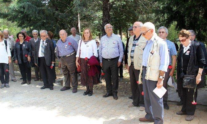 Oktay Akbal, Doğumunun 93'üncü Yılında Mezarı Başında Anıldı